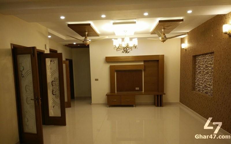 10 MARLA New House In Gulbahar Block Bahria Town Lahore