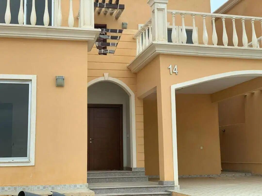 350 Square Yards Villa For Fale Prime Location in, Bahria Town Karachi