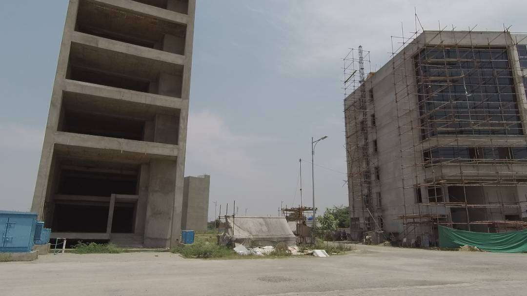 8 Marla Commercial Plaza For Rent In DHA Phase 8 Lahore
