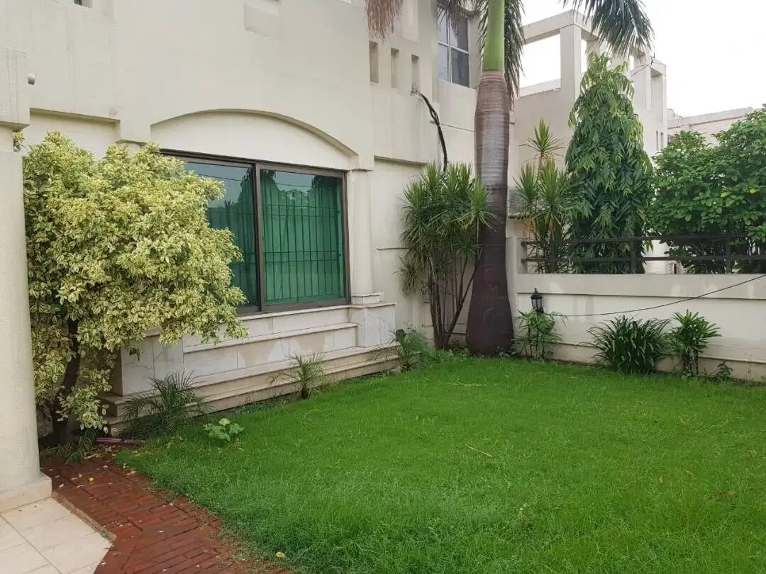 10 Marla Luxury House Fully Furnished For Rent in Eden Avenue Airport, Lahore