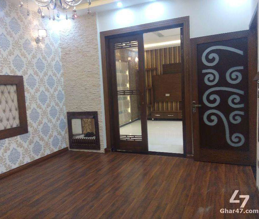 23 Marla Corner House Nasheman e Iqbal Lahore