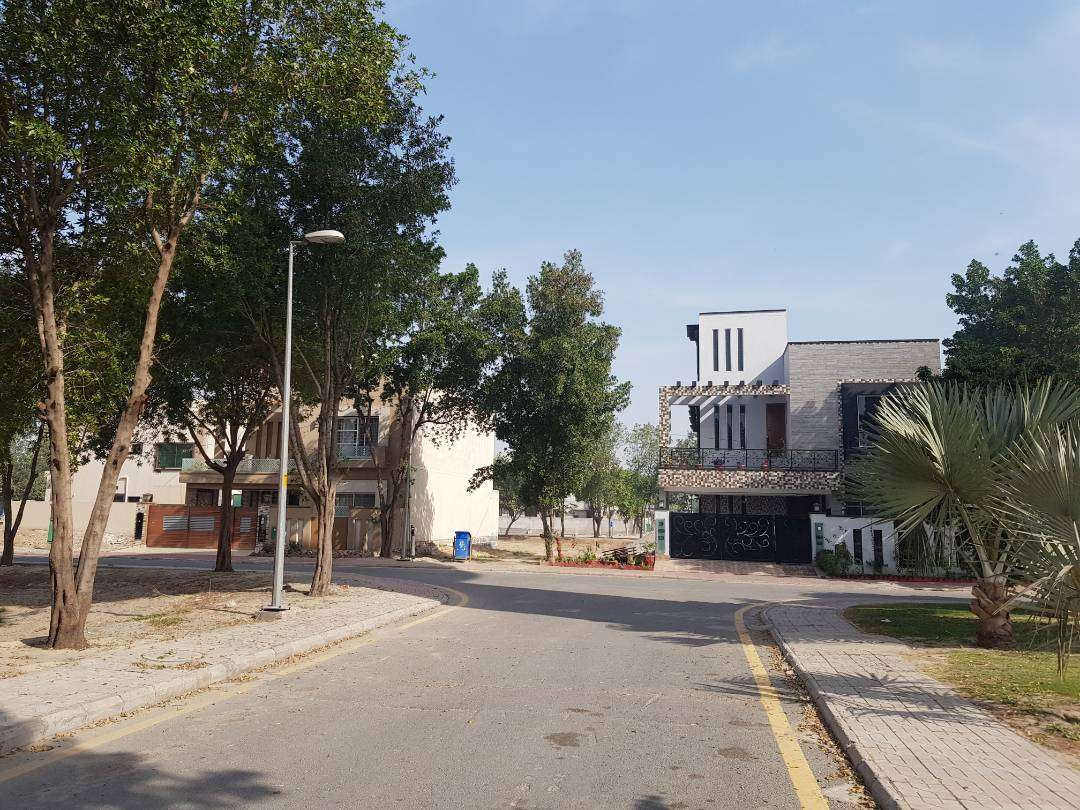 10 Marla Residential Plot For Sale in Bahria Town Hussain Block Lahore