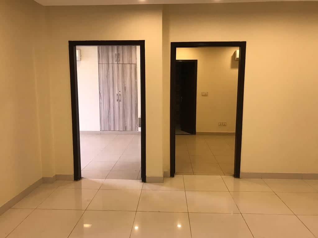 2 BED Flat, Eagle Mall Bahria Town Lahore
