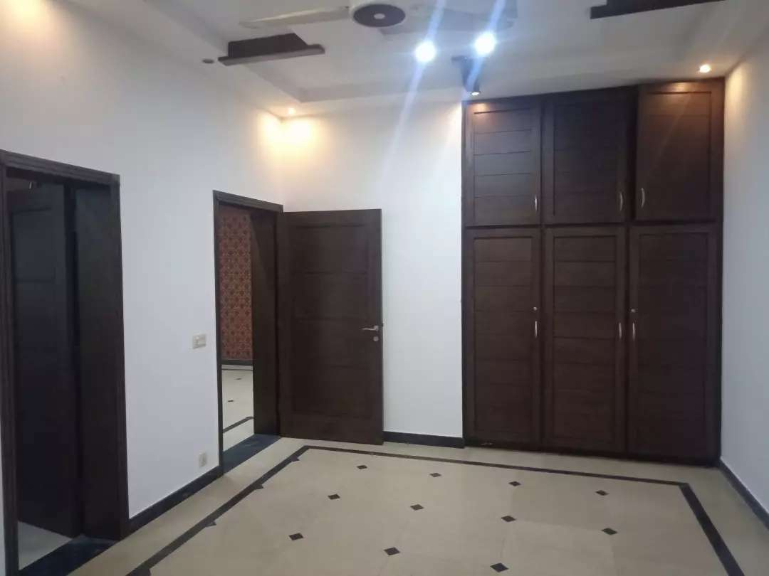 10 Marla House for rent in DHA Phase-8 Air Avenue Lahore