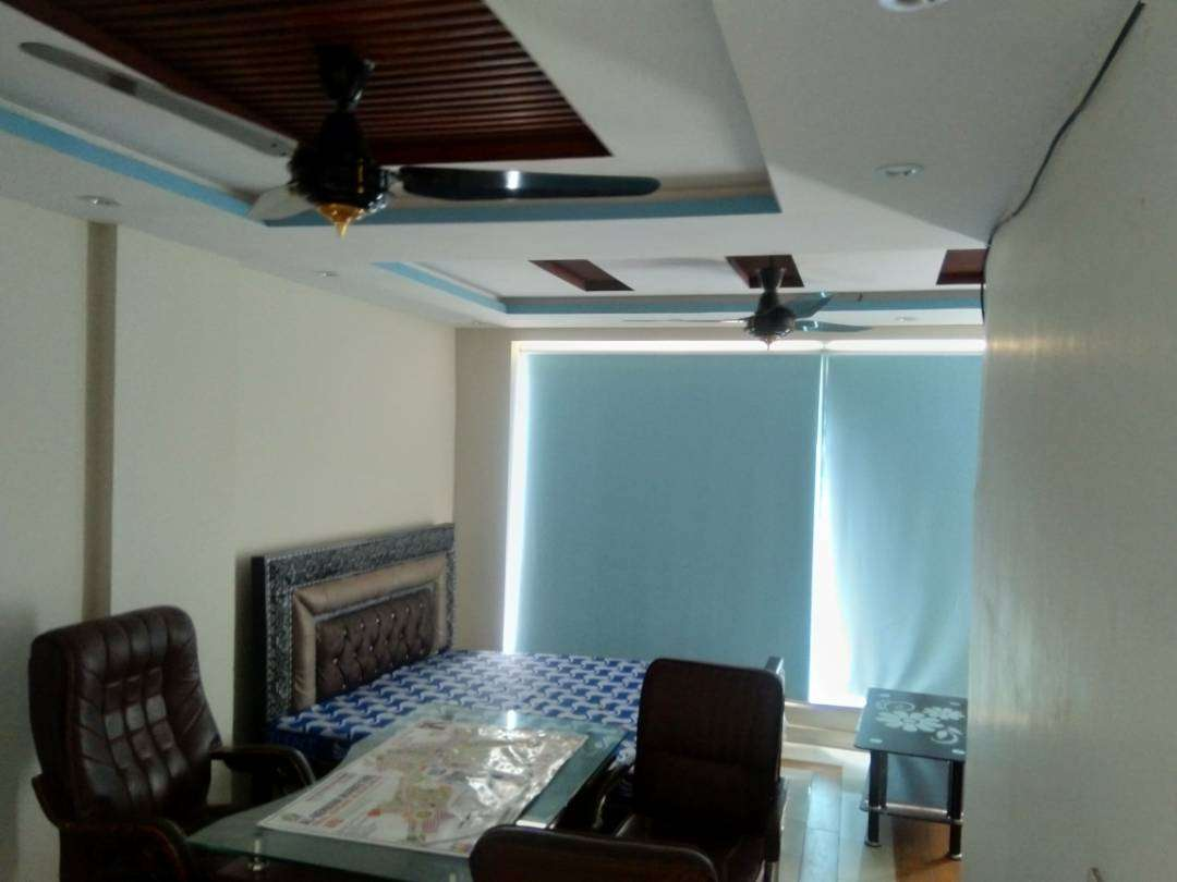 200 Sq Yd flat is available for rent in bahria orchard Lahore