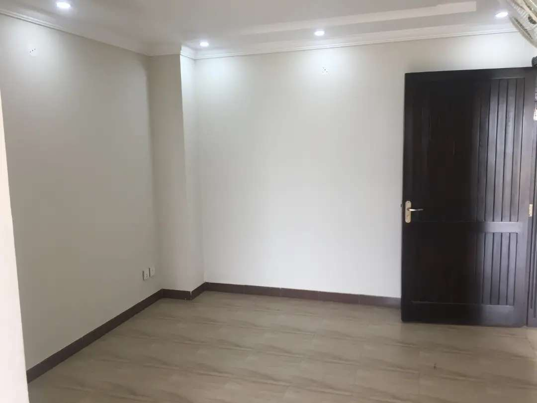 525 Sq Ft 1 Bed flat is available for rent in Bahria Town Lahore