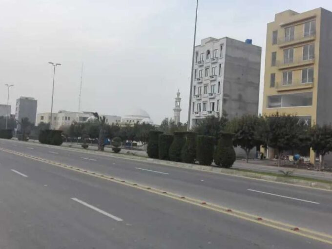 Bahria Orchard Central Northern