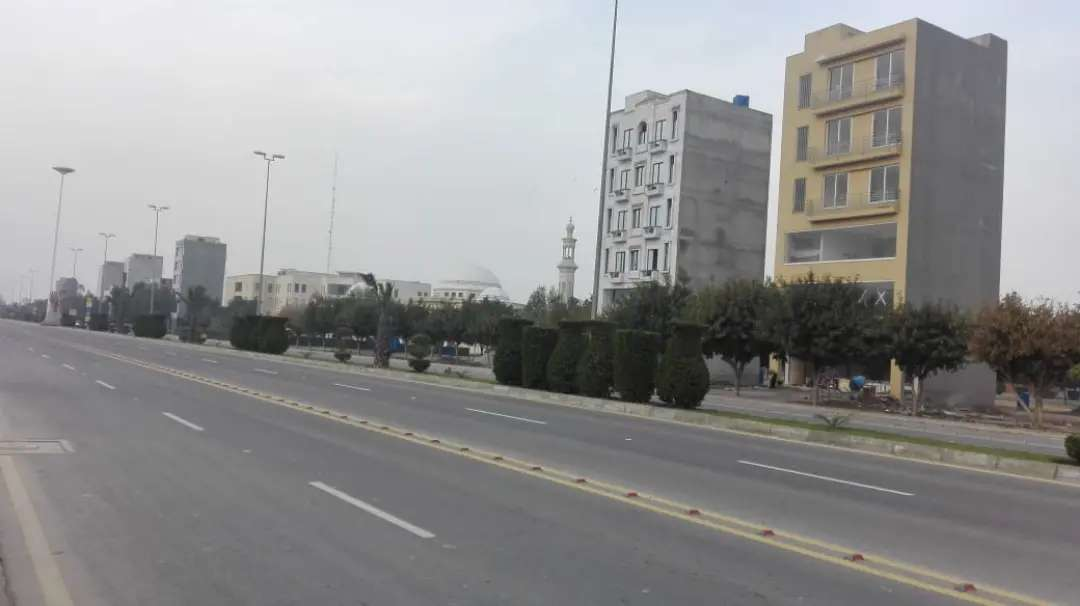 20 Marla Residential plot for sale in Central Northern Bahria Orchard Lahore