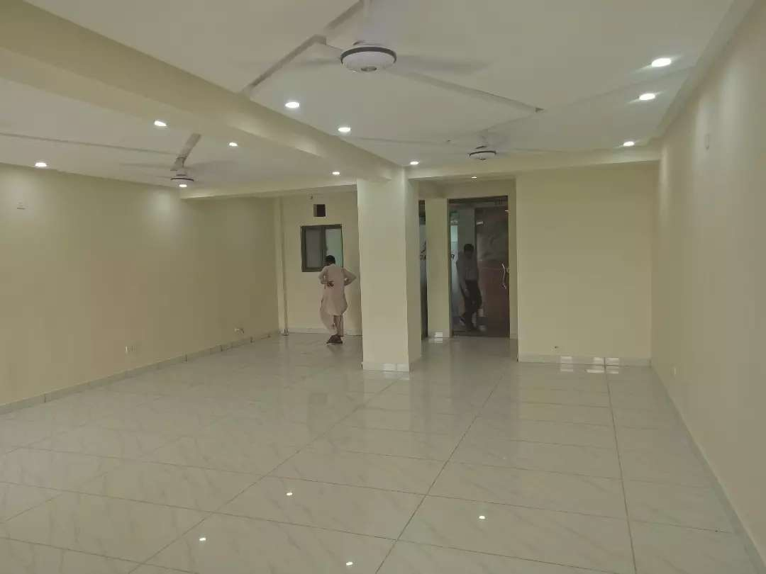 700 Sqft office available for rent in G-11 Islamabad