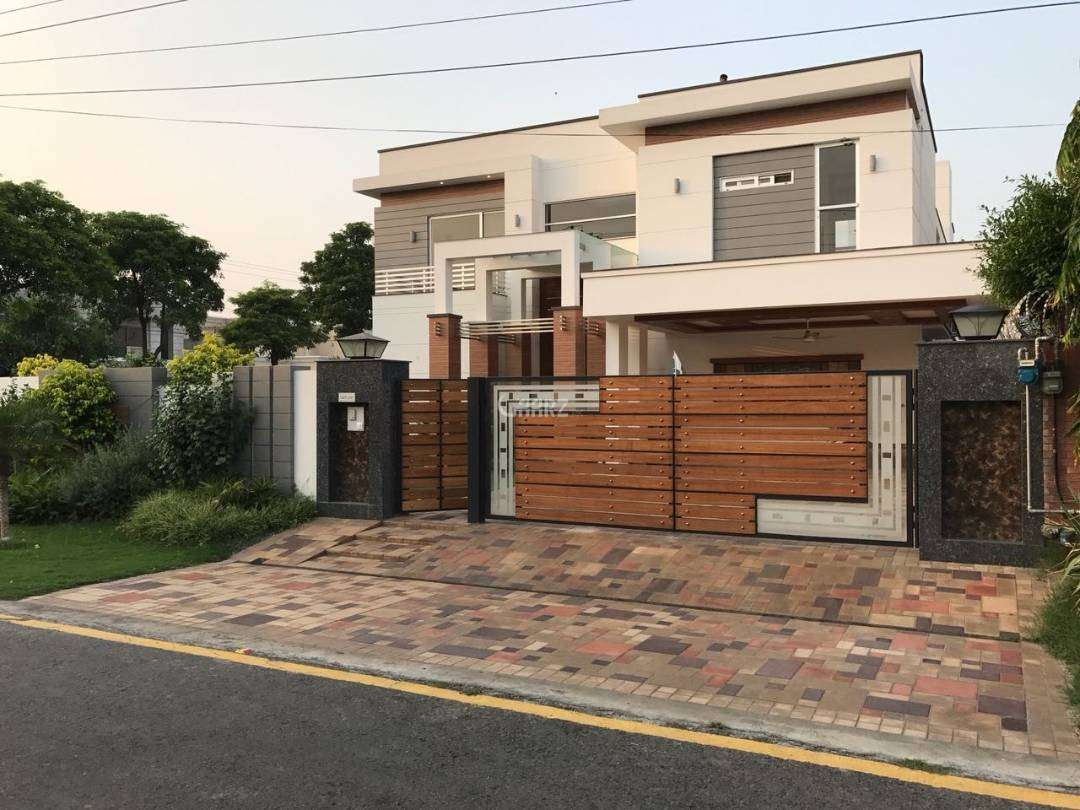 1 kanal House Available for rent in EME Society Lahore