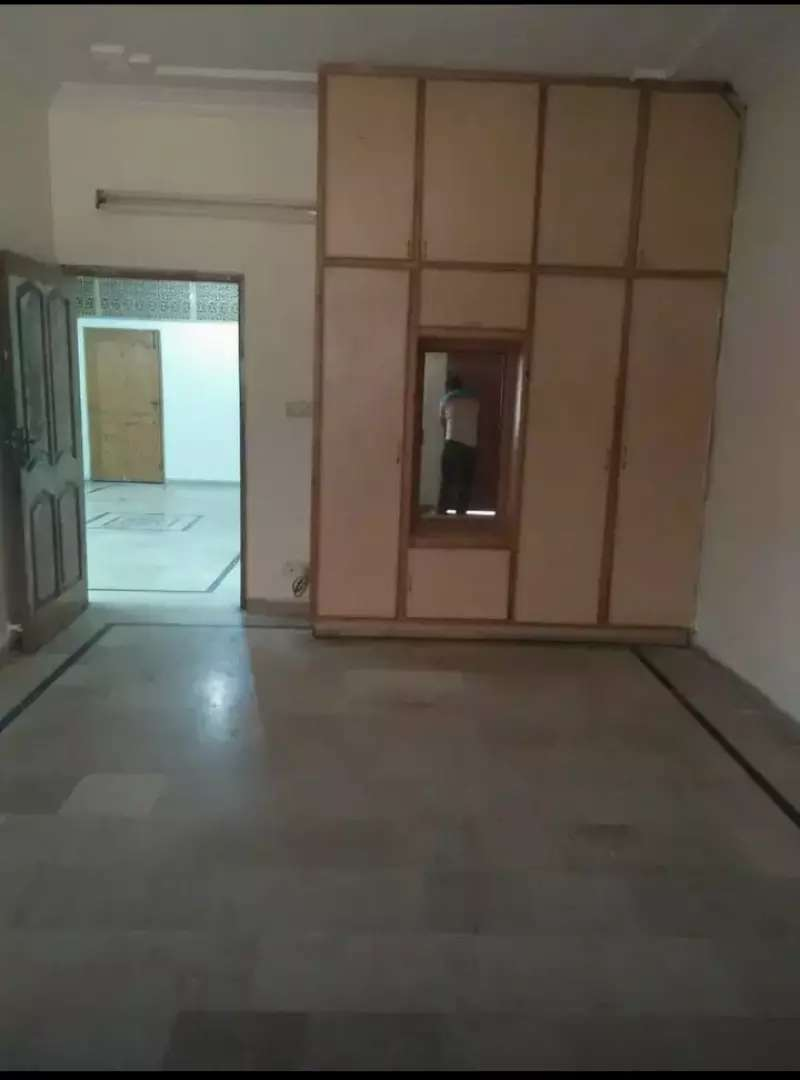5 Marla upper portion available For Rent At Habibullah Road Lahore