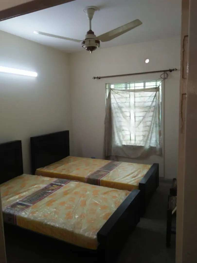 3 Marla Flat in Good Condition for Sale in Labor Colony Lahore