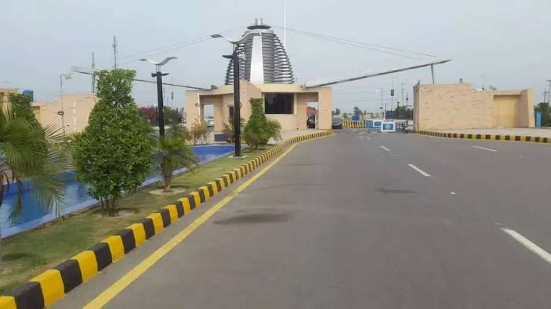 8 Marla Residential Plot For Sale in Bahria Orchard Block-J Lahore