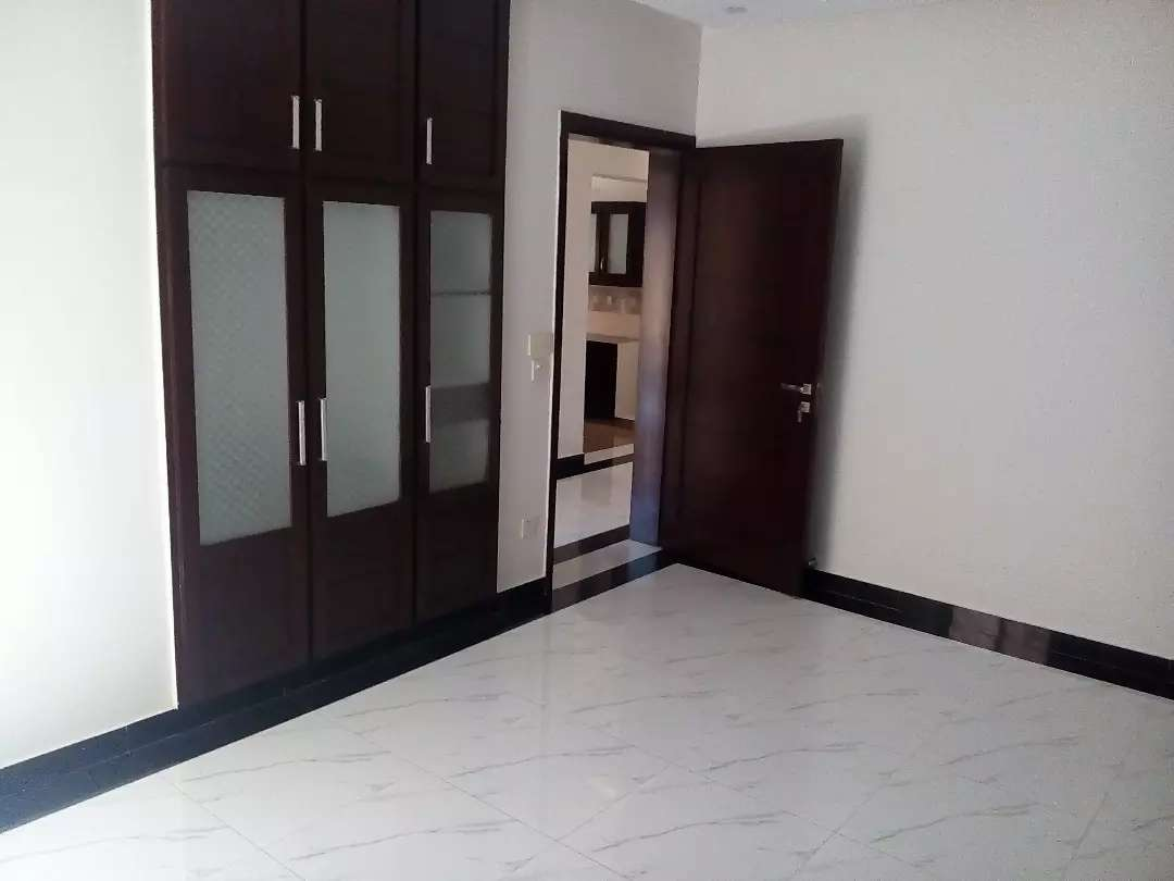10 Marla lavish bungalow for sale in Valencia town H-block Lahore