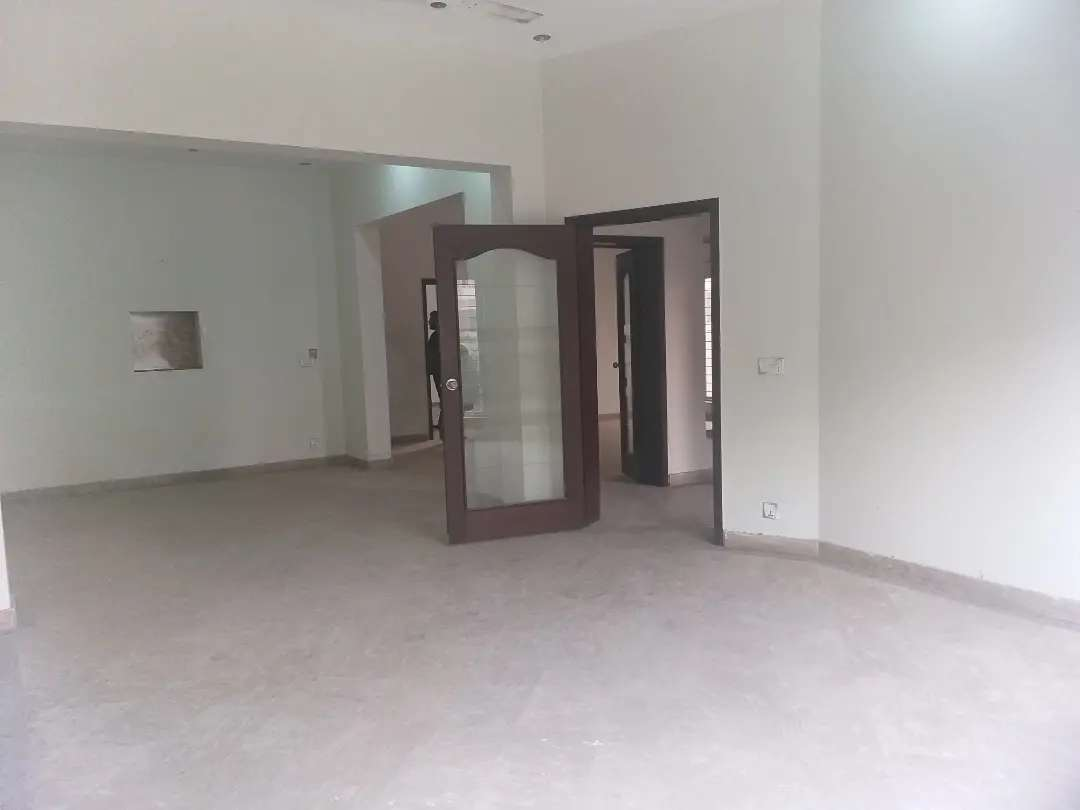 10 Marla house For sale in Paragon City Grove block Lahore