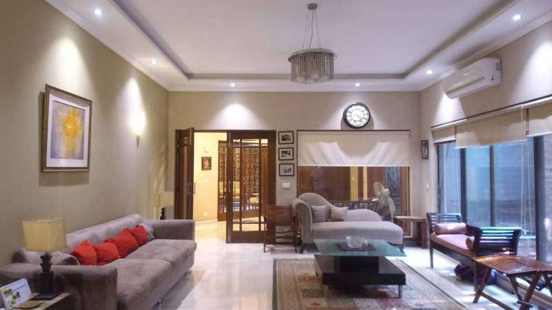 1 Kanal House Is Available For Sale In DHA Phase 5 Block-H Lahore