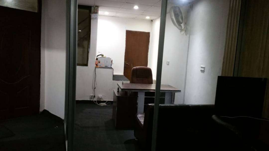 750 SqFt Office Setup Furnished for Sale in Gulberg 3 Lahore