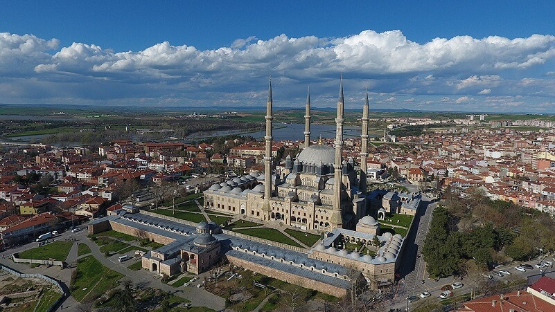 10 Most Amazingly Beautiful Mosques Worldwide in the World
